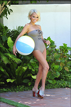 Celebrity Photo: Kristin Chenoweth 2100x3150   654 kb Viewed 54 times @BestEyeCandy.com Added 179 days ago