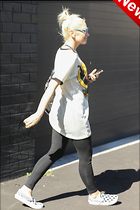 Celebrity Photo: Gwen Stefani 1200x1800   165 kb Viewed 6 times @BestEyeCandy.com Added 9 days ago
