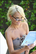 Celebrity Photo: Kristin Chenoweth 2100x3150   564 kb Viewed 57 times @BestEyeCandy.com Added 179 days ago