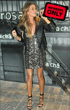 Celebrity Photo: Gisele Bundchen 2400x3730   1.7 mb Viewed 2 times @BestEyeCandy.com Added 25 days ago