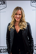 Celebrity Photo: Julie Benz 1200x1800   224 kb Viewed 330 times @BestEyeCandy.com Added 563 days ago