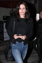 Celebrity Photo: Courteney Cox 2133x3200   1,017 kb Viewed 117 times @BestEyeCandy.com Added 503 days ago