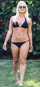 Celebrity Photo: Brooke Hogan 470x1022   164 kb Viewed 484 times @BestEyeCandy.com Added 385 days ago
