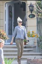 Celebrity Photo: Gwen Stefani 1200x1800   266 kb Viewed 33 times @BestEyeCandy.com Added 178 days ago