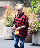 Celebrity Photo: Gwen Stefani 1200x1451   213 kb Viewed 48 times @BestEyeCandy.com Added 71 days ago