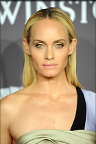 Celebrity Photo: Amber Valletta 4 Photos Photoset #355106 @BestEyeCandy.com Added 400 days ago