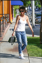 Celebrity Photo: Lisa Rinna 1200x1801   319 kb Viewed 32 times @BestEyeCandy.com Added 31 days ago