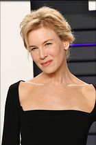 Celebrity Photo: Renee Zellweger 1366x2048   215 kb Viewed 22 times @BestEyeCandy.com Added 52 days ago