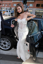 Celebrity Photo: Miranda Kerr 1066x1600   269 kb Viewed 33 times @BestEyeCandy.com Added 103 days ago