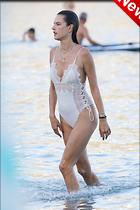 Celebrity Photo: Alessandra Ambrosio 2200x3300   1,067 kb Viewed 3 times @BestEyeCandy.com Added 2 hours ago