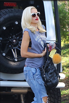 Celebrity Photo: Gwen Stefani 1200x1801   236 kb Viewed 42 times @BestEyeCandy.com Added 38 days ago