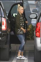 Celebrity Photo: Gwen Stefani 1200x1800   242 kb Viewed 43 times @BestEyeCandy.com Added 108 days ago