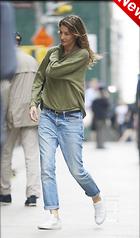 Celebrity Photo: Gisele Bundchen 1200x2043   270 kb Viewed 3 times @BestEyeCandy.com Added 47 hours ago