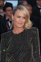 Celebrity Photo: Robin Wright Penn 1470x2209   323 kb Viewed 62 times @BestEyeCandy.com Added 65 days ago