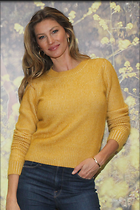 Celebrity Photo: Gisele Bundchen 1200x1799   258 kb Viewed 35 times @BestEyeCandy.com Added 18 days ago