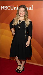 Celebrity Photo: Kelly Clarkson 588x1024   128 kb Viewed 66 times @BestEyeCandy.com Added 87 days ago
