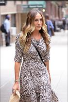 Celebrity Photo: Sarah Jessica Parker 1200x1800   376 kb Viewed 57 times @BestEyeCandy.com Added 38 days ago