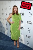 Celebrity Photo: Leslie Mann 2000x3000   3.5 mb Viewed 0 times @BestEyeCandy.com Added 336 days ago
