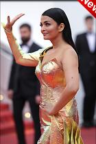 Celebrity Photo: Aishwarya Rai 683x1024   184 kb Viewed 0 times @BestEyeCandy.com Added 7 hours ago