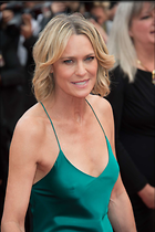 Celebrity Photo: Robin Wright Penn 1470x2209   138 kb Viewed 55 times @BestEyeCandy.com Added 68 days ago