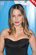 Celebrity Photo: Sophia Bush 2100x3150   816 kb Viewed 25 times @BestEyeCandy.com Added 6 days ago