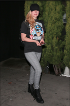 Celebrity Photo: Avril Lavigne 1200x1800   257 kb Viewed 53 times @BestEyeCandy.com Added 78 days ago
