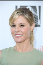 Celebrity Photo: Julie Bowen 2189x3283   724 kb Viewed 67 times @BestEyeCandy.com Added 101 days ago