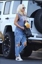 Celebrity Photo: Gwen Stefani 1200x1800   237 kb Viewed 28 times @BestEyeCandy.com Added 38 days ago