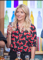Celebrity Photo: Holly Willoughby 1200x1677   286 kb Viewed 45 times @BestEyeCandy.com Added 69 days ago
