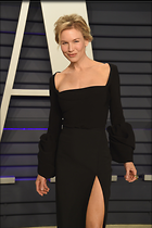 Celebrity Photo: Renee Zellweger 1363x2048   166 kb Viewed 34 times @BestEyeCandy.com Added 52 days ago
