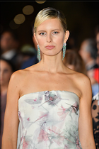 Celebrity Photo: Karolina Kurkova 1200x1800   226 kb Viewed 62 times @BestEyeCandy.com Added 204 days ago