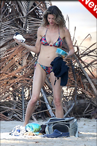 Celebrity Photo: Gisele Bundchen 1270x1905   375 kb Viewed 15 times @BestEyeCandy.com Added 5 days ago