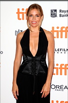 Celebrity Photo: Sienna Miller 683x1024   130 kb Viewed 45 times @BestEyeCandy.com Added 44 days ago