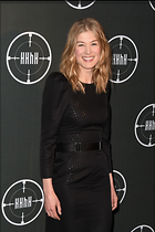 Celebrity Photo: Rosamund Pike 1200x1800   187 kb Viewed 47 times @BestEyeCandy.com Added 86 days ago