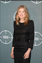 Celebrity Photo: Rosamund Pike 1200x1800   237 kb Viewed 41 times @BestEyeCandy.com Added 86 days ago