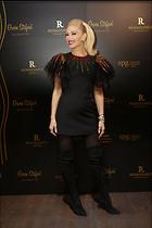 Celebrity Photo: Gwen Stefani 1200x1800   152 kb Viewed 85 times @BestEyeCandy.com Added 67 days ago