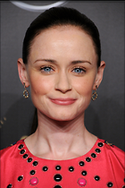 Celebrity Photo: Alexis Bledel 2100x3150   954 kb Viewed 27 times @BestEyeCandy.com Added 24 days ago