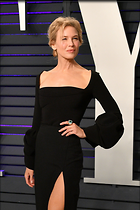 Celebrity Photo: Renee Zellweger 1365x2048   402 kb Viewed 17 times @BestEyeCandy.com Added 52 days ago