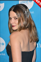 Celebrity Photo: Sophia Bush 2100x3150   798 kb Viewed 16 times @BestEyeCandy.com Added 6 days ago
