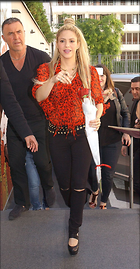 Celebrity Photo: Shakira 1000x1921   358 kb Viewed 63 times @BestEyeCandy.com Added 125 days ago