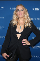 Celebrity Photo: Busy Philipps 1200x1796   225 kb Viewed 52 times @BestEyeCandy.com Added 190 days ago
