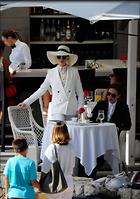 Celebrity Photo: Anne Hathaway 1200x1702   214 kb Viewed 28 times @BestEyeCandy.com Added 146 days ago