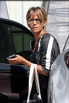 Celebrity Photo: Halle Berry 1200x1800   240 kb Viewed 28 times @BestEyeCandy.com Added 41 days ago