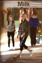 Celebrity Photo: Gwen Stefani 1200x1800   320 kb Viewed 65 times @BestEyeCandy.com Added 158 days ago