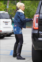 Celebrity Photo: Gwen Stefani 2 Photos Photoset #366678 @BestEyeCandy.com Added 138 days ago