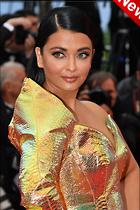 Celebrity Photo: Aishwarya Rai 800x1199   175 kb Viewed 4 times @BestEyeCandy.com Added 22 hours ago