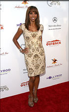 Celebrity Photo: Holly Robinson Peete 1847x3000   737 kb Viewed 312 times @BestEyeCandy.com Added 2154 days ago