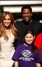 Celebrity Photo: Denzel Washington 500x800   101 kb Viewed 132 times @BestEyeCandy.com Added 2127 days ago
