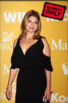 Celebrity Photo: Laura San Giacomo 2592x3888   1.7 mb Viewed 7 times @BestEyeCandy.com Added 1377 days ago