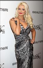 Celebrity Photo: Holly Madison 1916x3000   666 kb Viewed 94 times @BestEyeCandy.com Added 1565 days ago